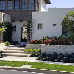 This is an example of a transitional landscaping in Orange County.