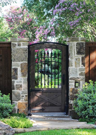 Классический Сад by Rosewood Custom Builders