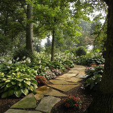 Traditional Landscape by Smalls Landscaping