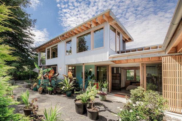 Contemporary Garden by m.o.daby design