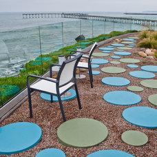 Eclectic Landscape by Erin Ponte Landscape Design