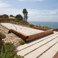 Midcentury Landscape by Margie Grace - Grace Design Associates