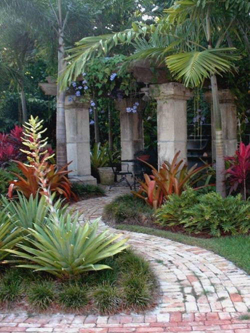 design ideas for a tropical landscape in miami