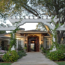 Traditional Landscape by christopher Lines & Associates