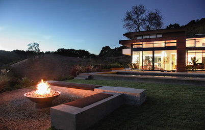 Eco-Friendly Fire Pits: Casting Backyard Campfires in a New Light