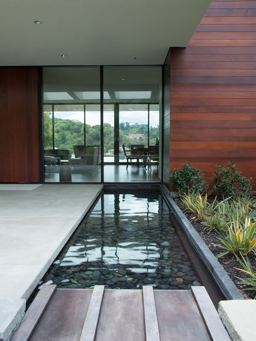 Front Entry With Water Feature Houzz