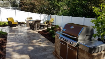 Outdoor Entertainment Area with Firepit