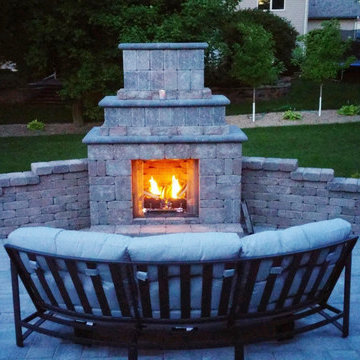 Outdoor Fire Pits & Fireplaces