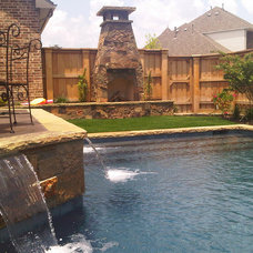 Eclectic Landscape by Pool Environments, Inc.