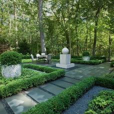Contemporary Landscape by Fredman Design Group