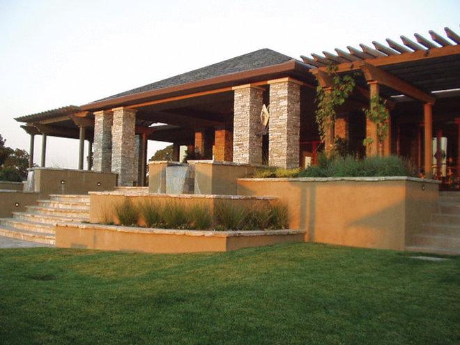 Modern Landscape by Kalamazoo Outdoor Gourmet
