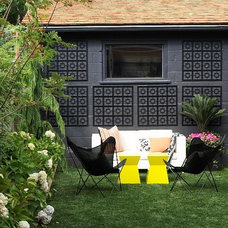 Contemporary Patio by Shirley Meisels