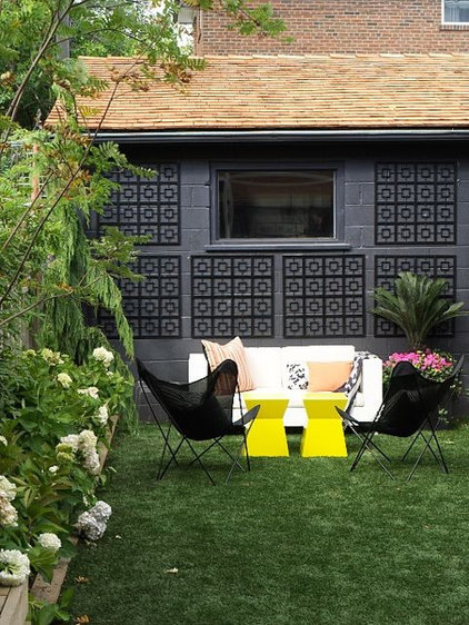 modern patio by Shirley Meisels