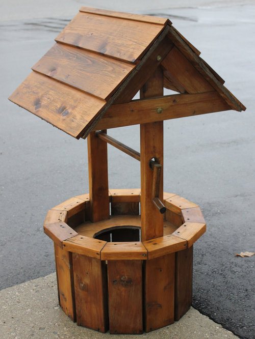 Wooden Wishing Well | Houzz