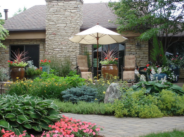 Traditional Landscape by Sargent's Landscape Nursery