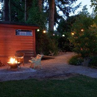 Stilmix Garten mit Feuerstelle in Vancouver