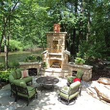 Traditional Landscape by Plandscape, Inc.