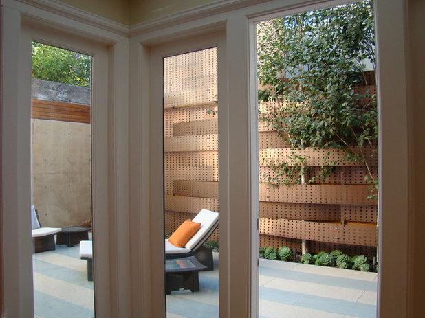 Современный Сад by Randy Thueme Design Inc. - Landscape Architecture