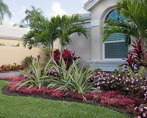 Small Front Yard Landscaping Ideas & Design Photos | Houzz