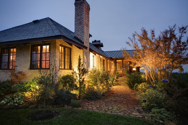 Traditional Landscape by Urban Home Magazine