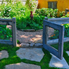 Eclectic Landscape by Designscapes Colorado Inc.