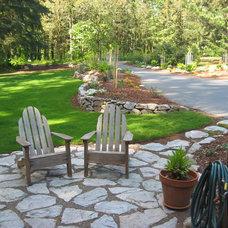 Craftsman Landscape by The Garden Angels Landscape Design & Consulting