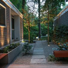 Contemporary Landscape by JHLA / Jennifer Horn Landscape Architecture
