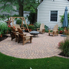 Traditional Landscape by Country Landscapes, Inc.