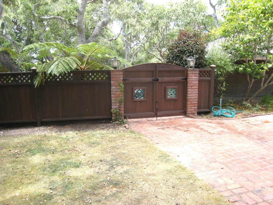 Pebble Beach Gate and Fencing