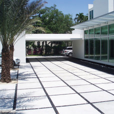 Modern Landscape by Miami Beach Pebbles, Inc.