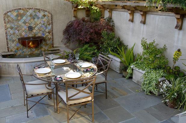 Traditional Garden by Pedersen Associates
