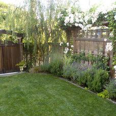 traditional landscape by Pedersen Associates