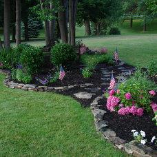 Traditional Landscape Perennial Garden