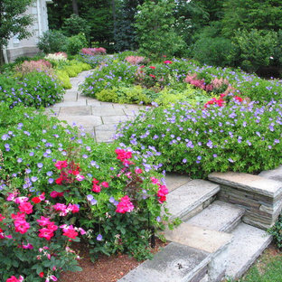Inspiration for a traditional stone landscaping in Cleveland.