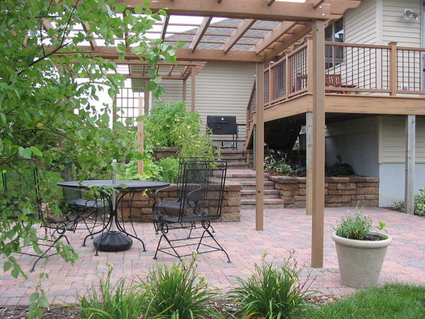 Contemporary Landscape by Scenic Specialties