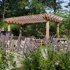 Eclectic Landscape by The Garden Consultants, Inc.