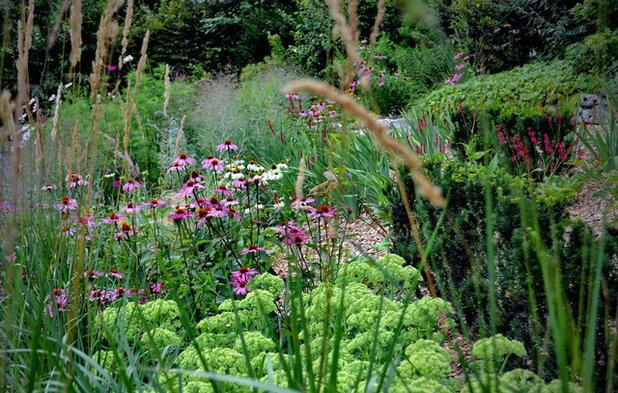 Shabby-Chic-Style Garten by ureditevokolice.si