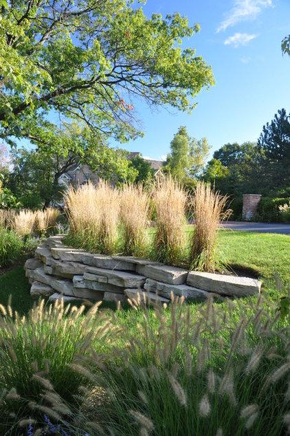 Contemporary Landscape by Milieu Design