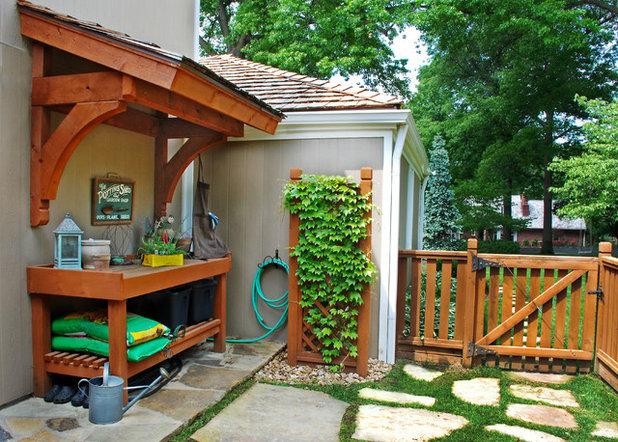 Traditional Garden by NSPJ Architects/Landscape Architects