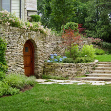 Traditional Landscape by Jacobs Grant Design ltd