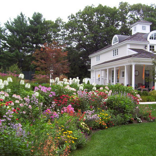 75 Beautiful Backyard Flower Bed Pictures Ideas Houzz