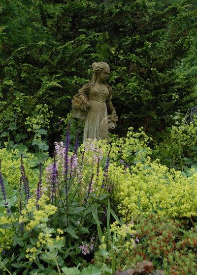 Classique Jardin by James R. Salomon Photography