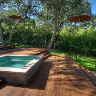 Esempio di un giardino contemporaneo con scale
