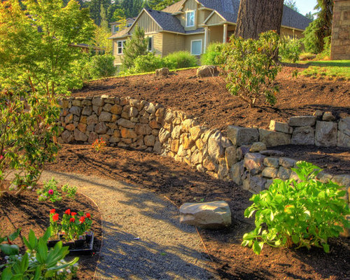 Boulder retaining wall home design ideas pictures for Traditional landscape