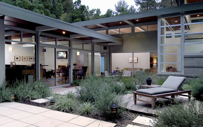 Modern Landscape by Tim Barber LTD Architecture & Interior Design