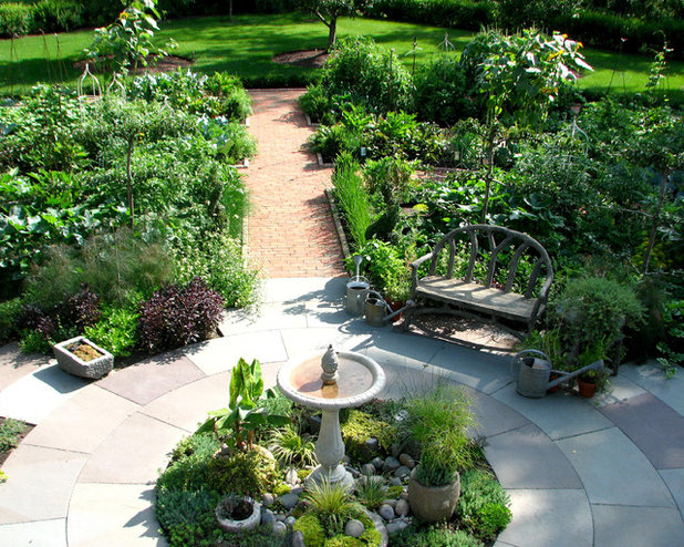Klassisch Garten by Staab & Olmsted LLC - Landscape Architecture and F