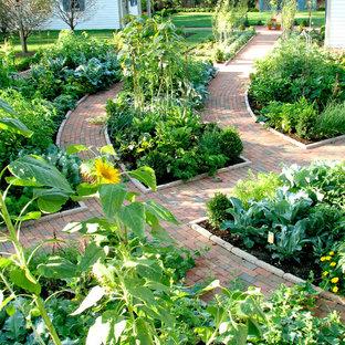 Modelo de jardín tradicional con huerto