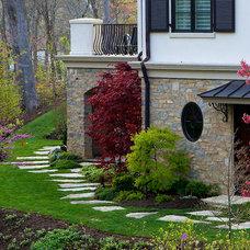Traditional Landscape by Jacobs Grant Design ltd