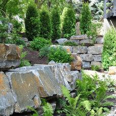 Traditional Landscape by Pacific Ridge Landscapes Ltd