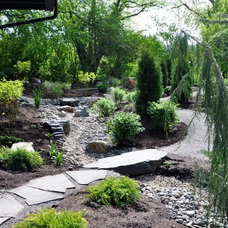 Traditional Landscape by Pacific Ridge Landscapes Ltd